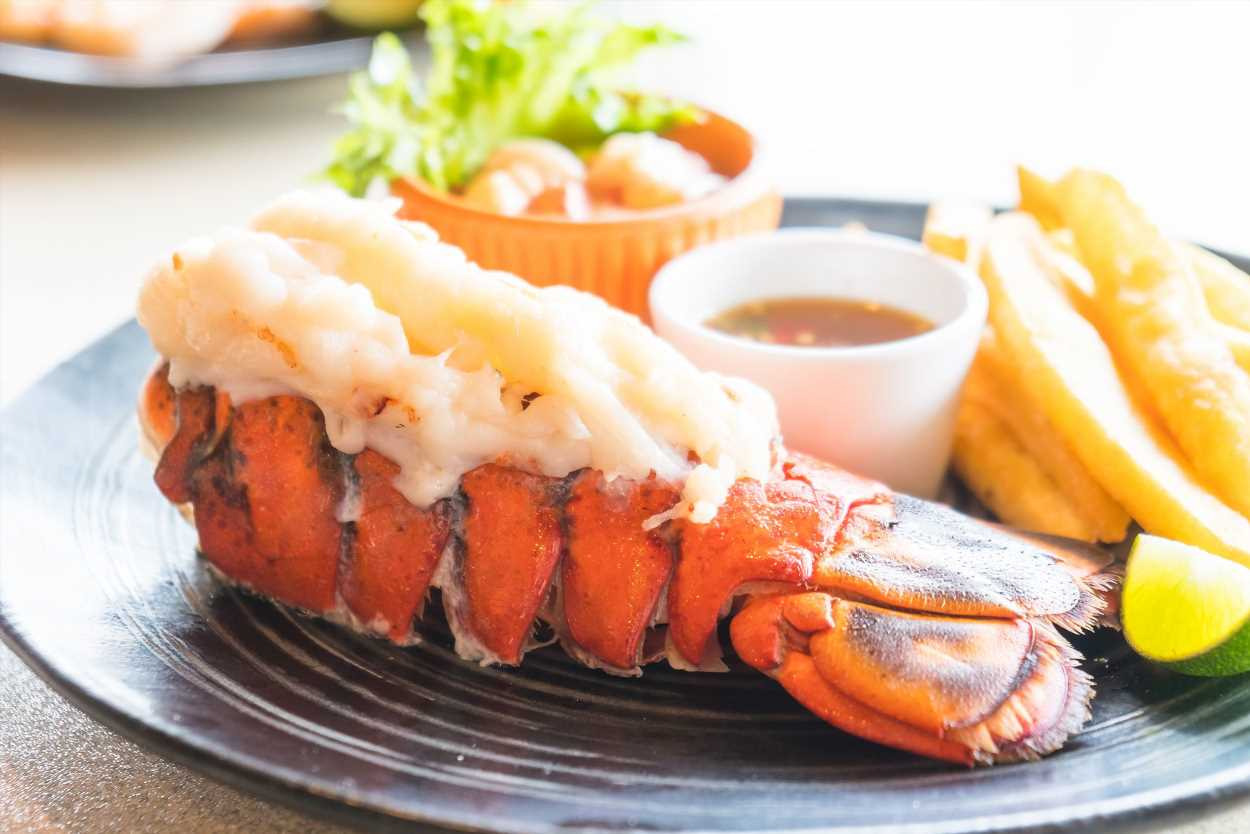 How To Cook Lobster Tails At Home When You're Not A Fancy ...